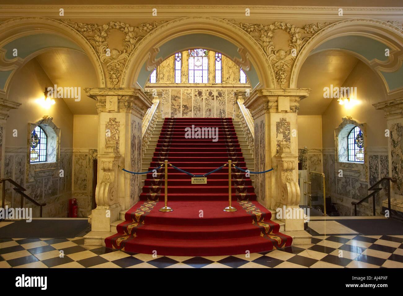 Grand staircase designed in carrara pavonazzo and brescia for Grand staircase design