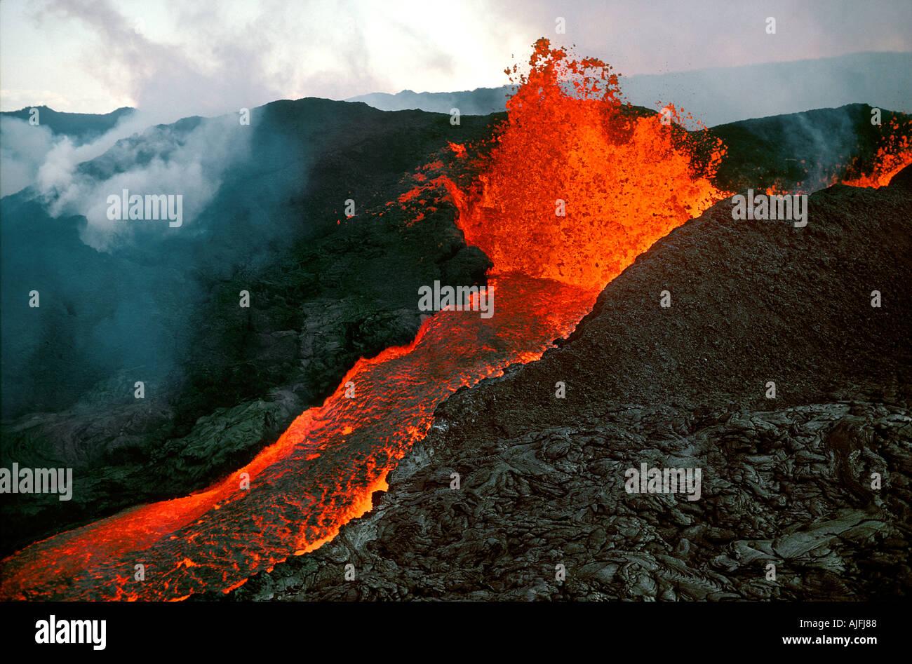 gunung berapi hawaii terkini