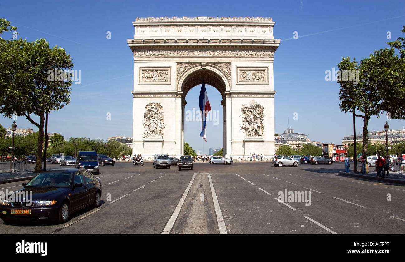 france ile de france paris road traffic on the champs elysees leading stock photo royalty free. Black Bedroom Furniture Sets. Home Design Ideas