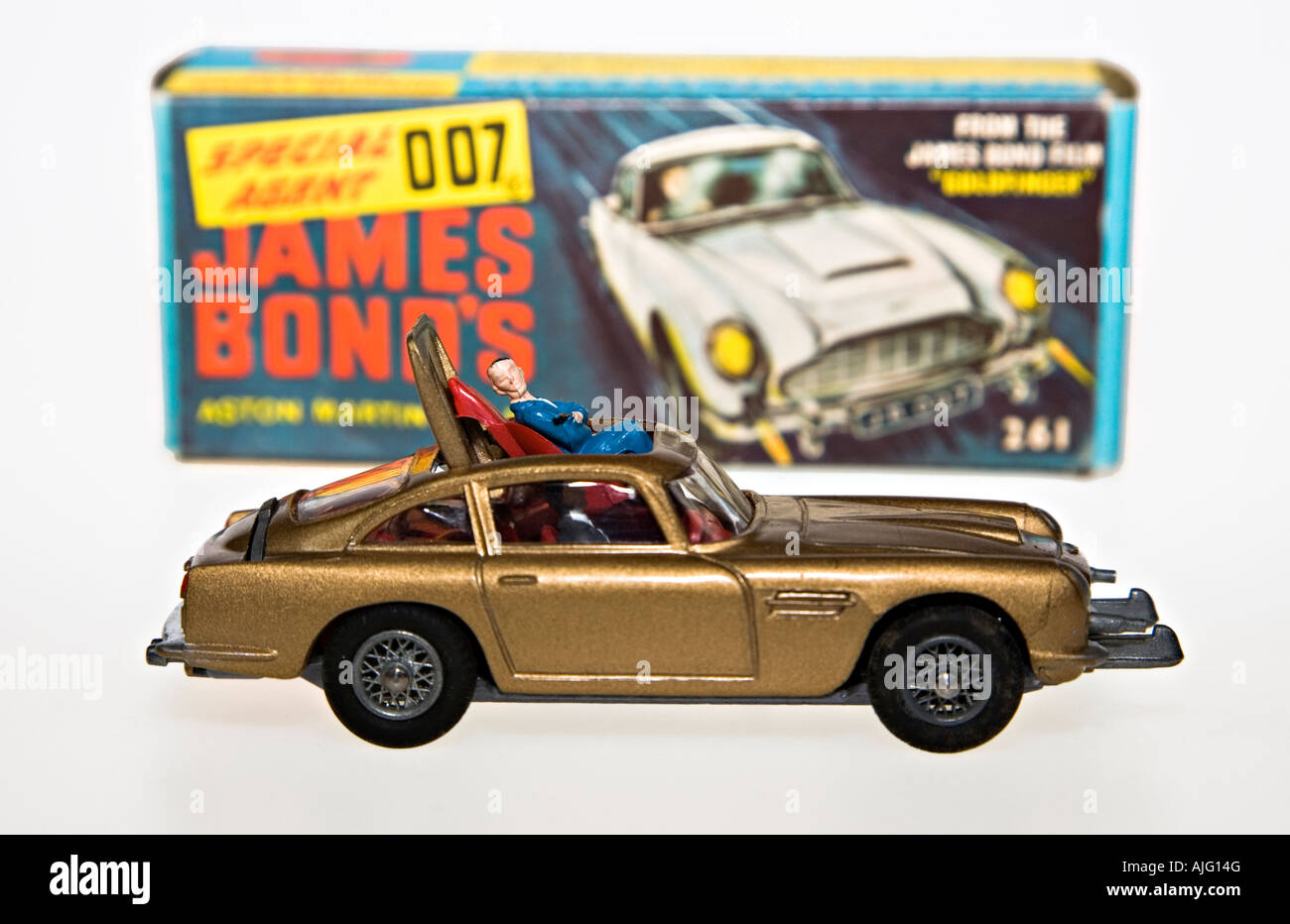 corgi model car james bond 007 aston martin db5 with original box