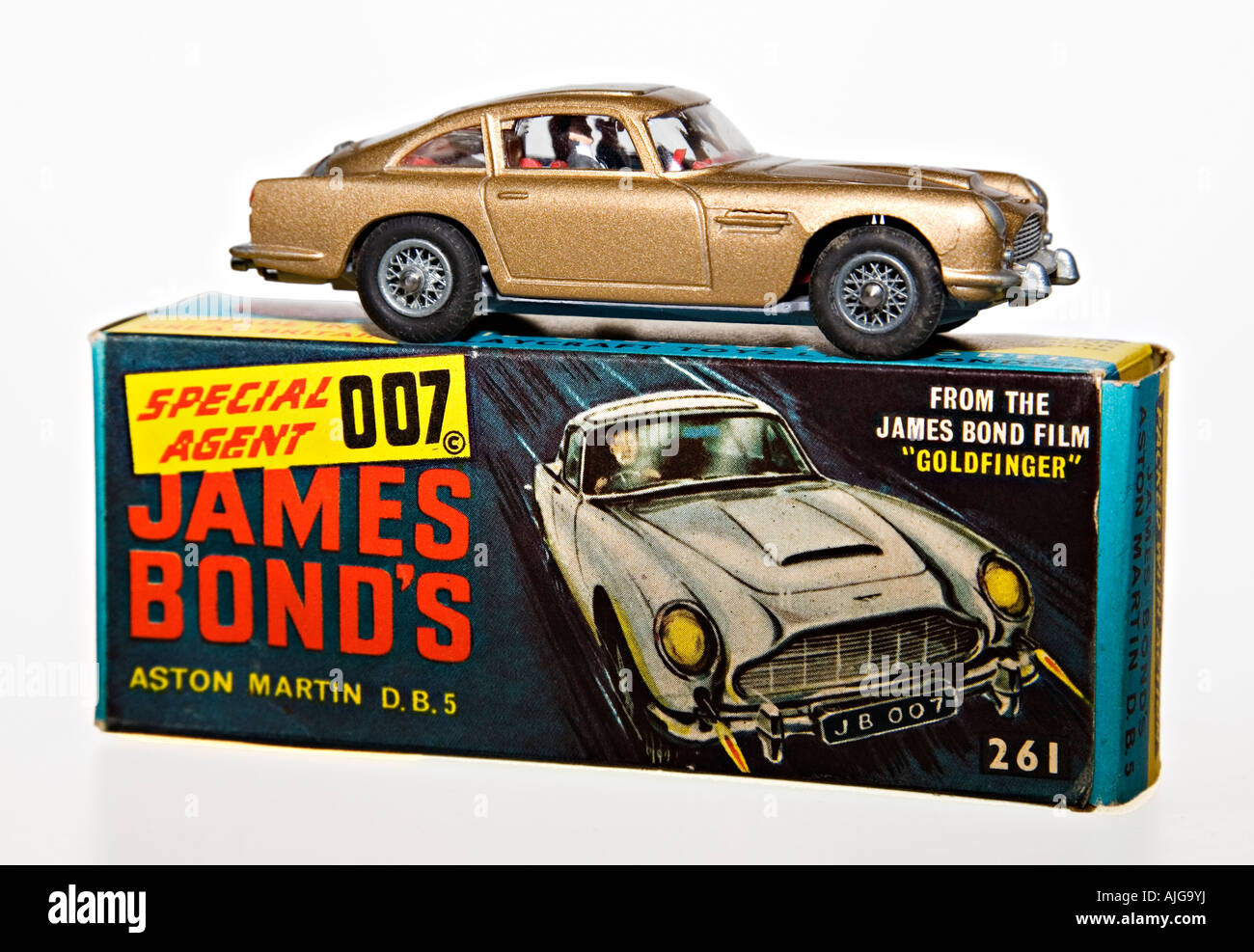 "corgi model car ""james bond"" 007 aston martin db5 with original"