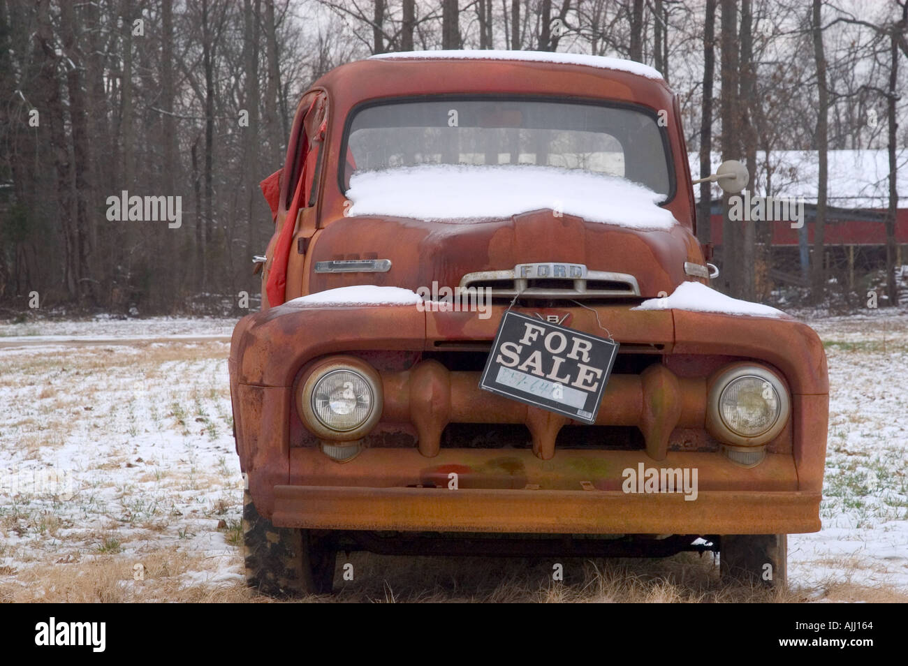 Old Truck For Sale Stock Photo: 2728291 - Alamy