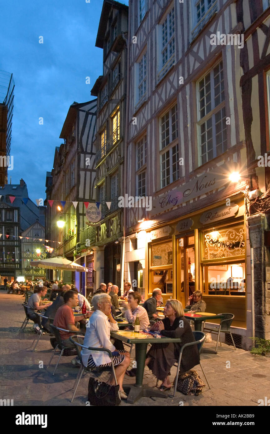 restaurant at night in the old town rouen normandy france stock photo 1256376 alamy. Black Bedroom Furniture Sets. Home Design Ideas
