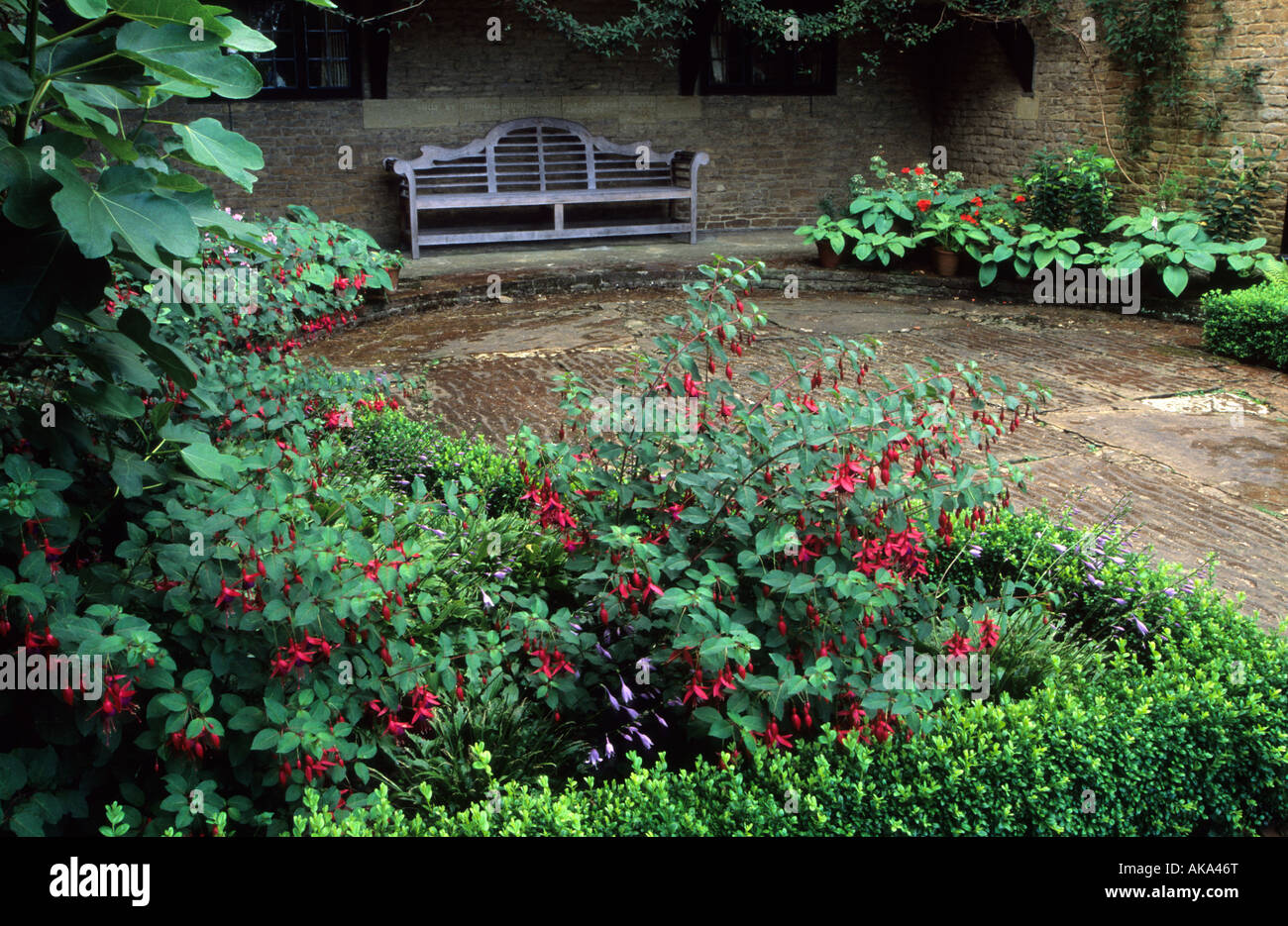 Munstead Wood Surrey Gertrude Jekyll S Garden Courtyard With Lutyens Stock Photo Royalty Free