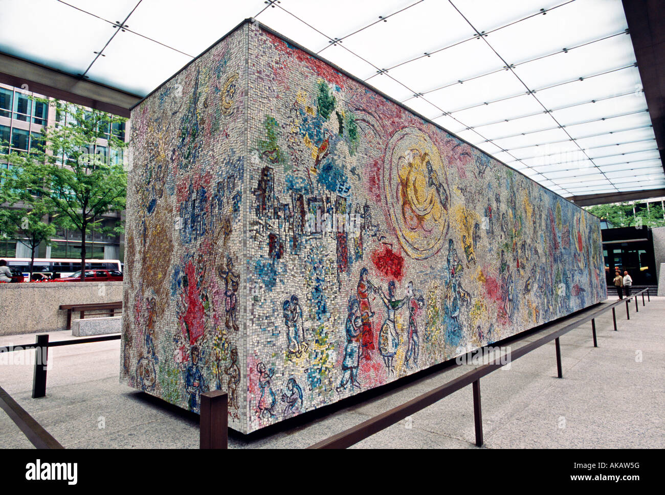 Four seasons mosaic by chagall at first national plaza for Chagall mural chicago