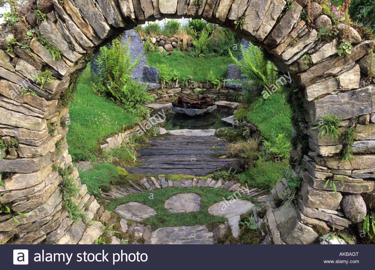 Chelsea fs 2002 design mary reynolds sacred celtic for Irish garden designs