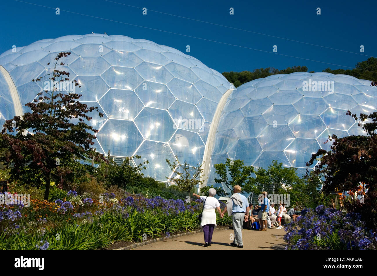 Geodesic dome house stock image 28 images 100 geodesic - The geodesic dome in connecticut call of earth ...