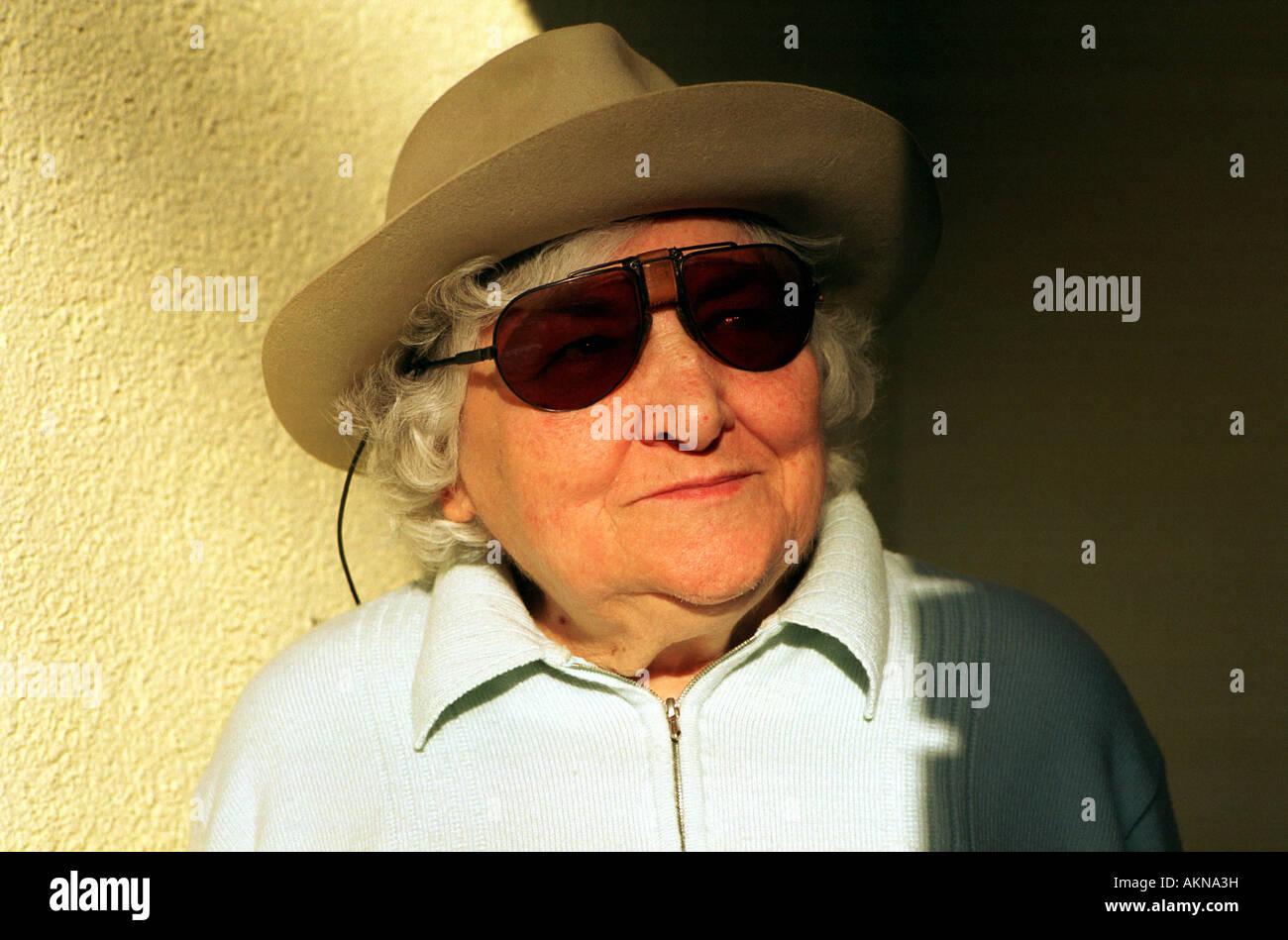 d22167f1fa41 Old Lady Sunglasses - The Best Sunglasses