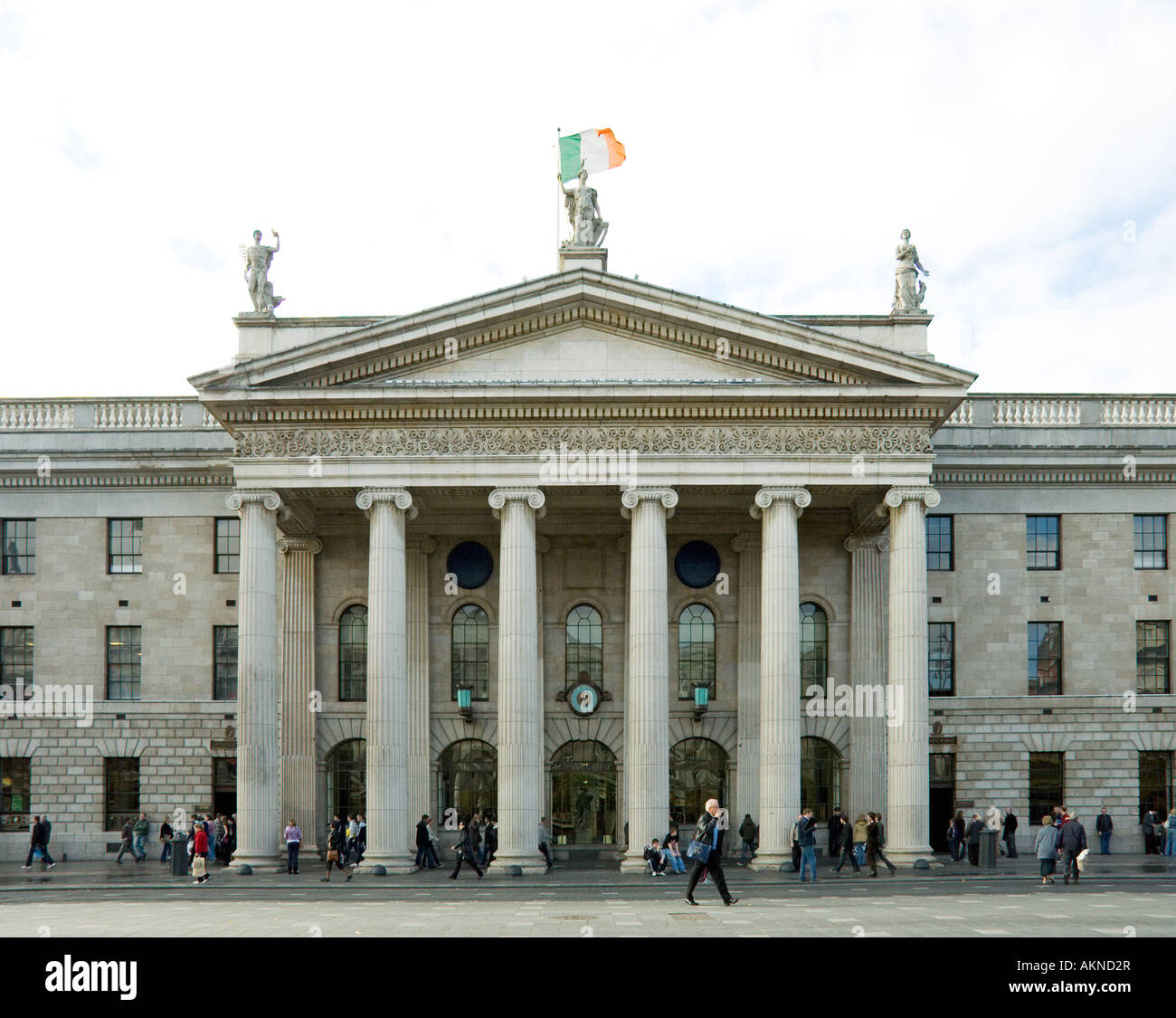 The portico of the gpo general post office on oconnell st dublin ireland