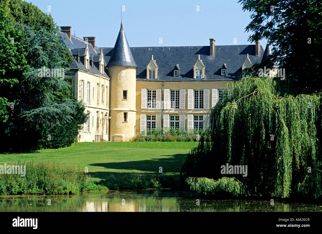 France val d 39 oise chateau de themericourt main office for 8 maison parc court