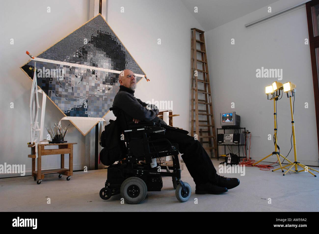 bridgehampton ny 020204 artist chuck close at his studio