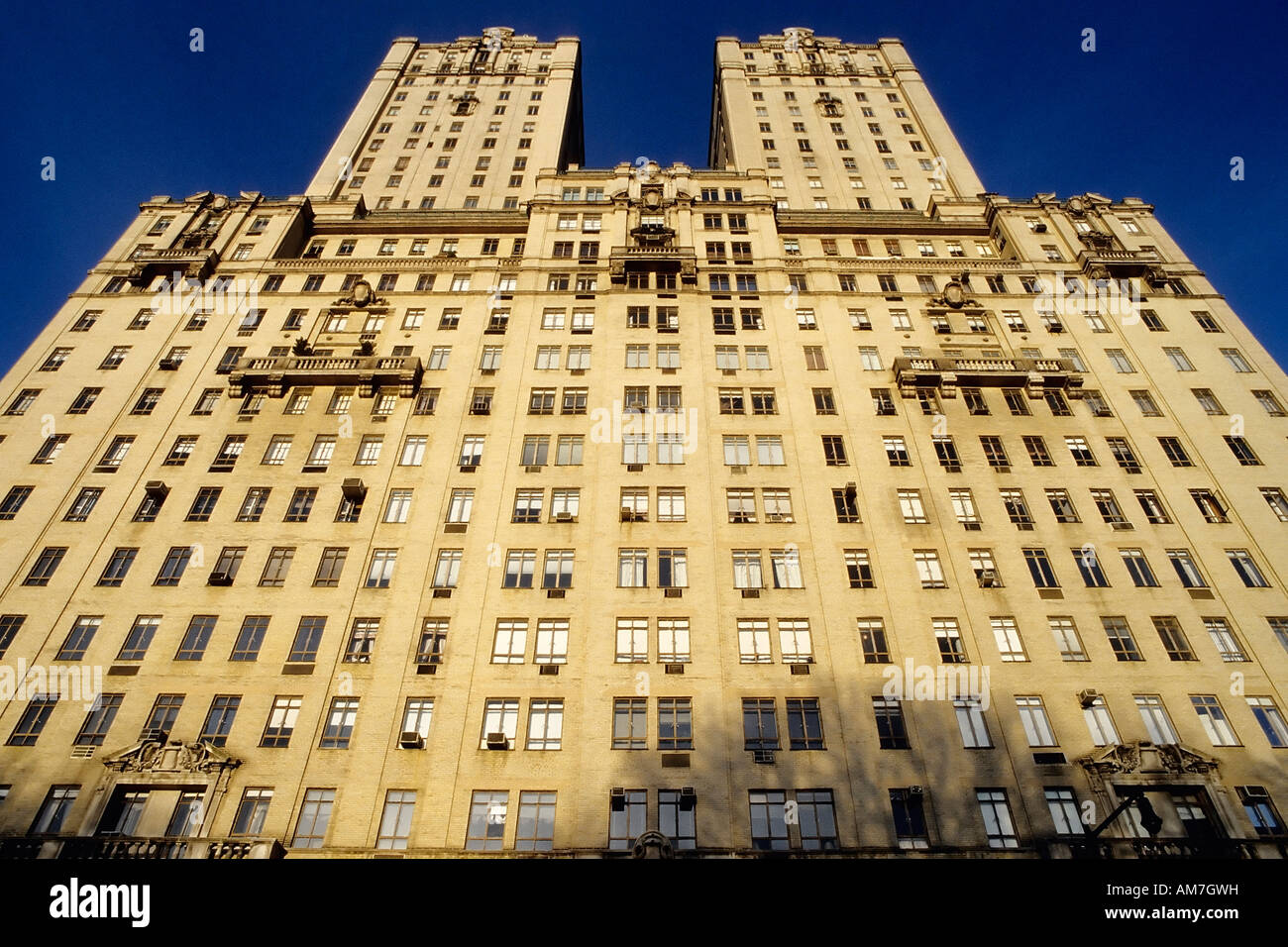 Apartment building san remo central park west upper west for Upper west side apartments nyc