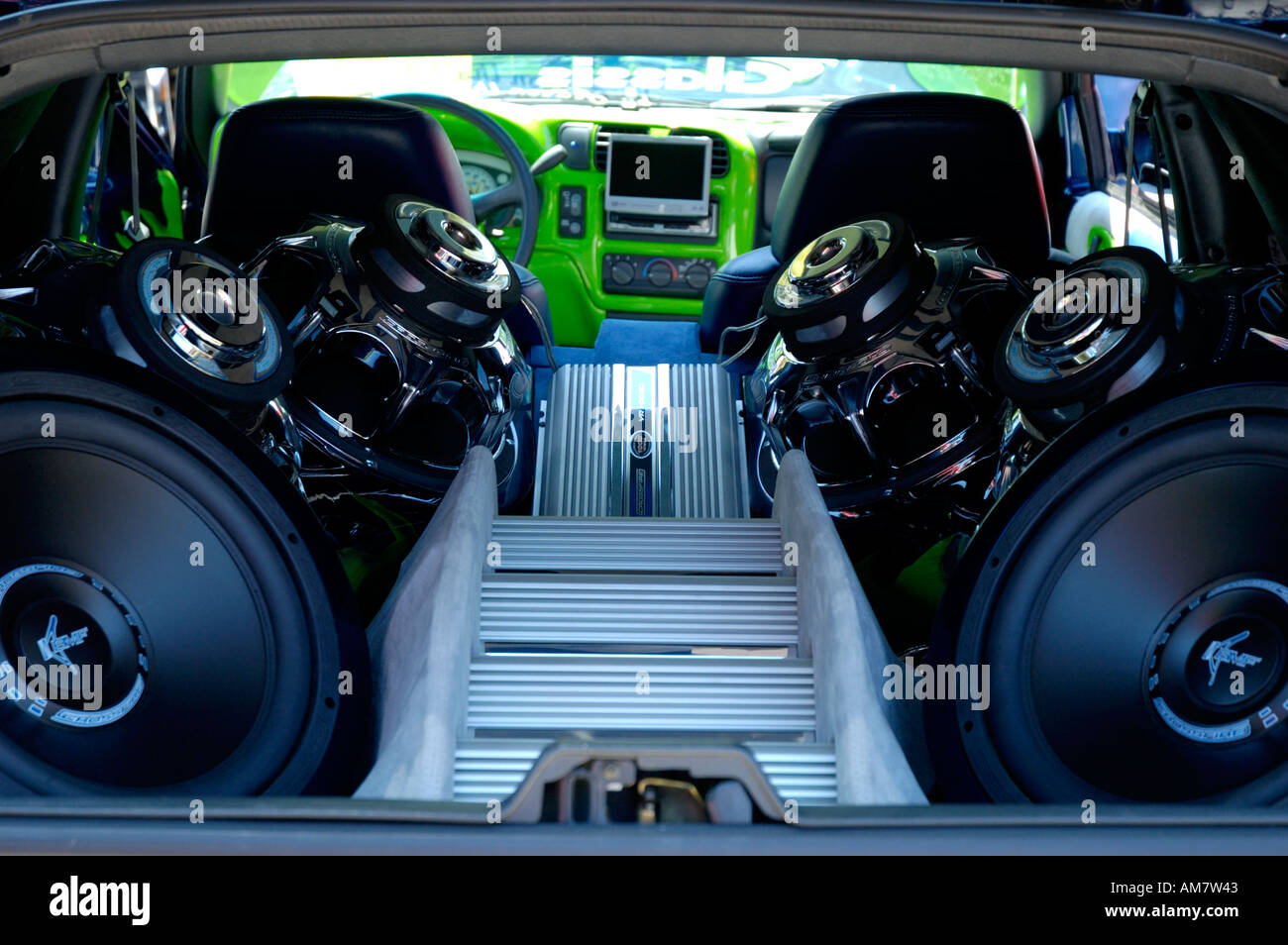 sound system for truck. extreme sound system inside pickup truck for e