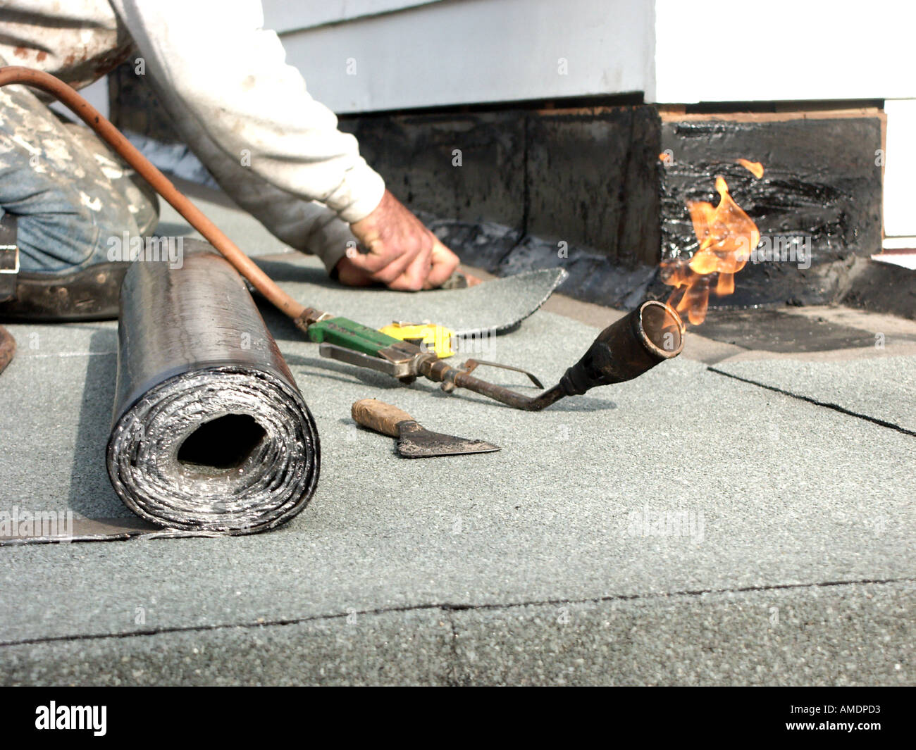 How To Replace A Flat Roof 13 S With Pictures Wikihow