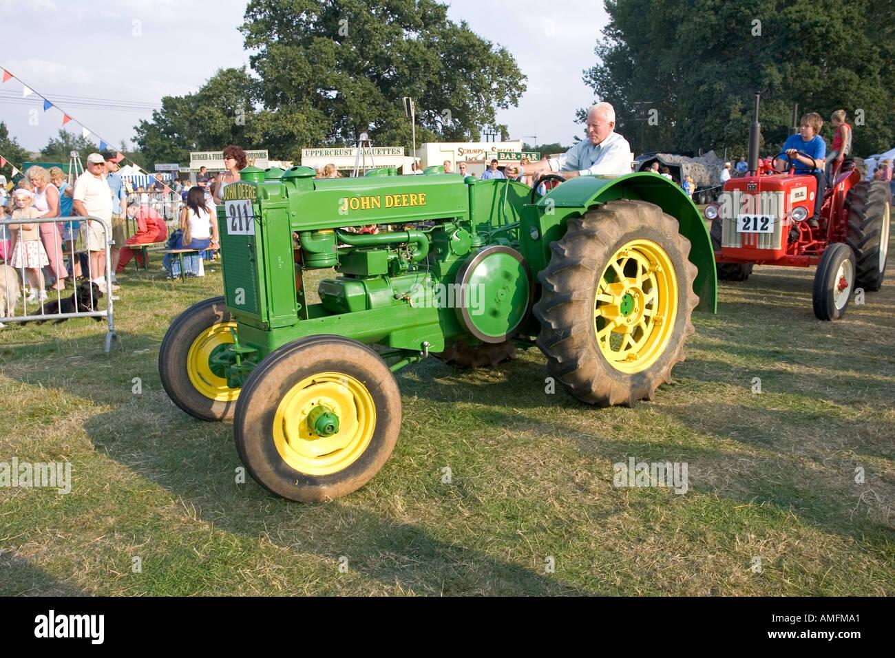 Antique John Deere Show Tractors : Old vintage john deere tractor at moreton in marsh
