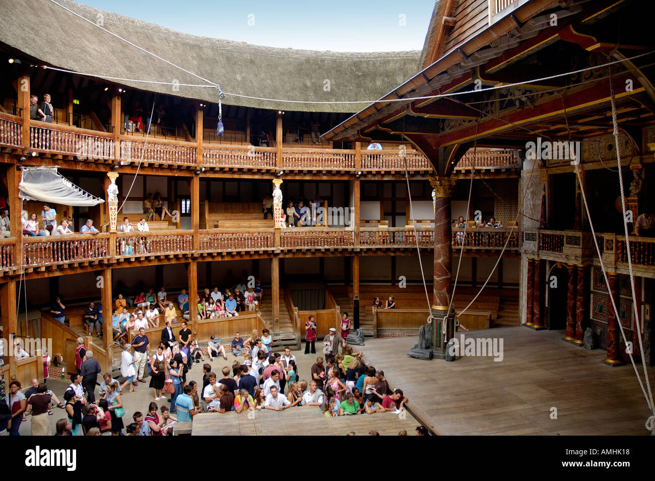 shakespeares globe theatre Shakespeare's globe casts its own artistic director as hamlet michelle terry in lead male role,  anders lustgarten's new play, the secret theatre,.