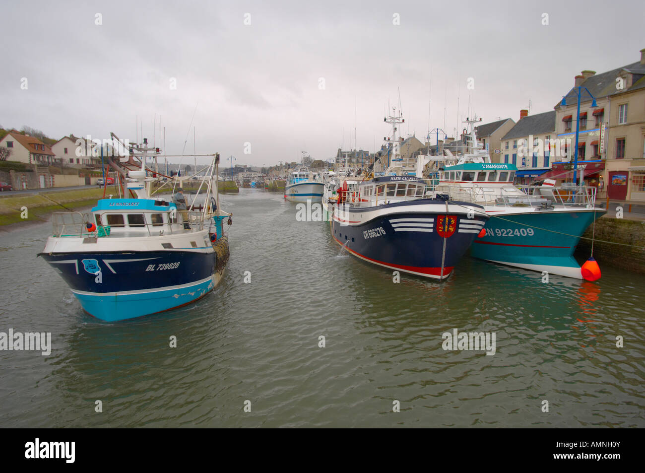 French Fishing Trawlers In A Normandy Port Port En Bessin Huppain - Location port en bessin