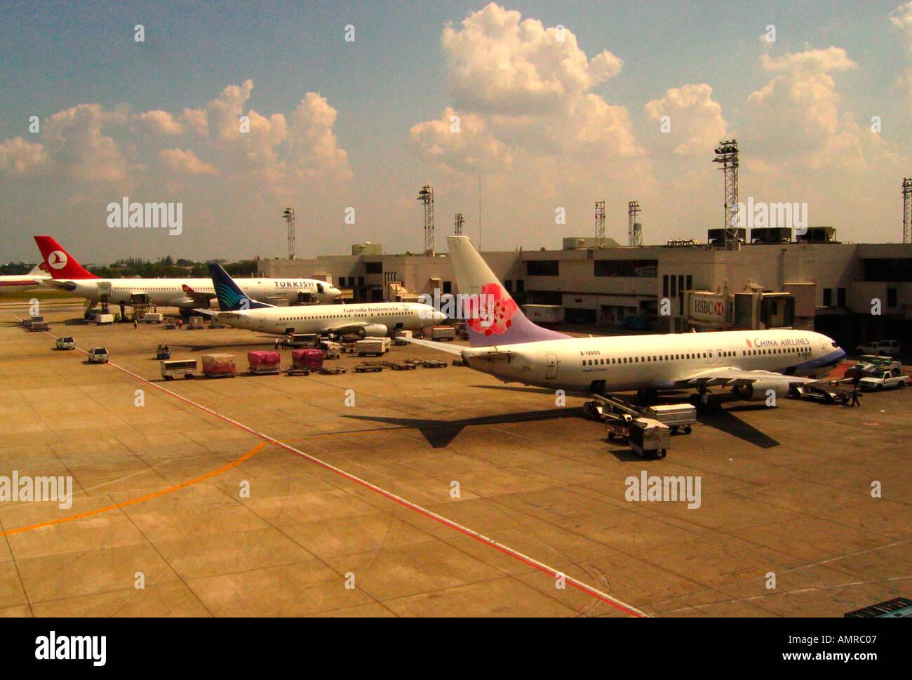 turkish garuda and china airlines airplanes bangkok airport don