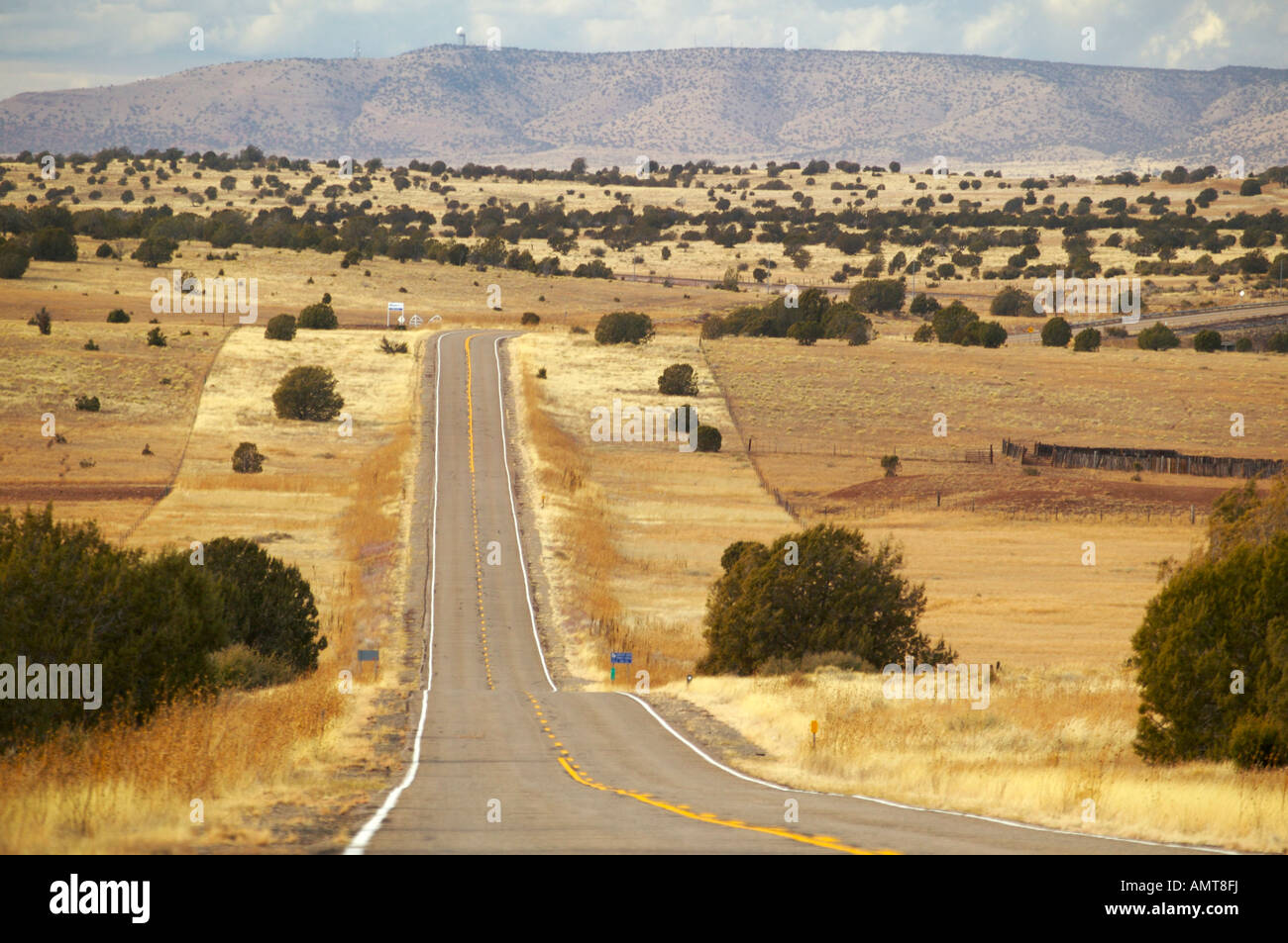 Historic Route  Between Seligman And Ash Fork Arizona USA - Road trip route 66 usa