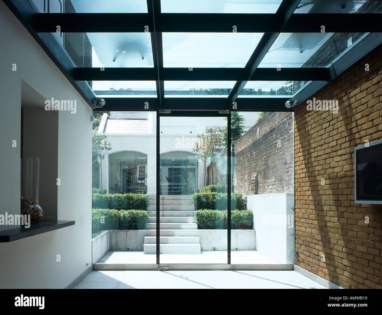 Glass House Extension near Regent's Park NW1. Lower level of extension.  Architect: Belsize Architects
