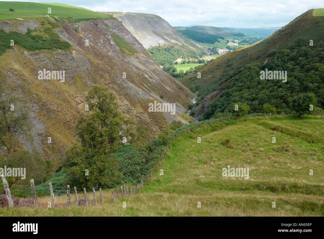 v shaped valley - photo #4
