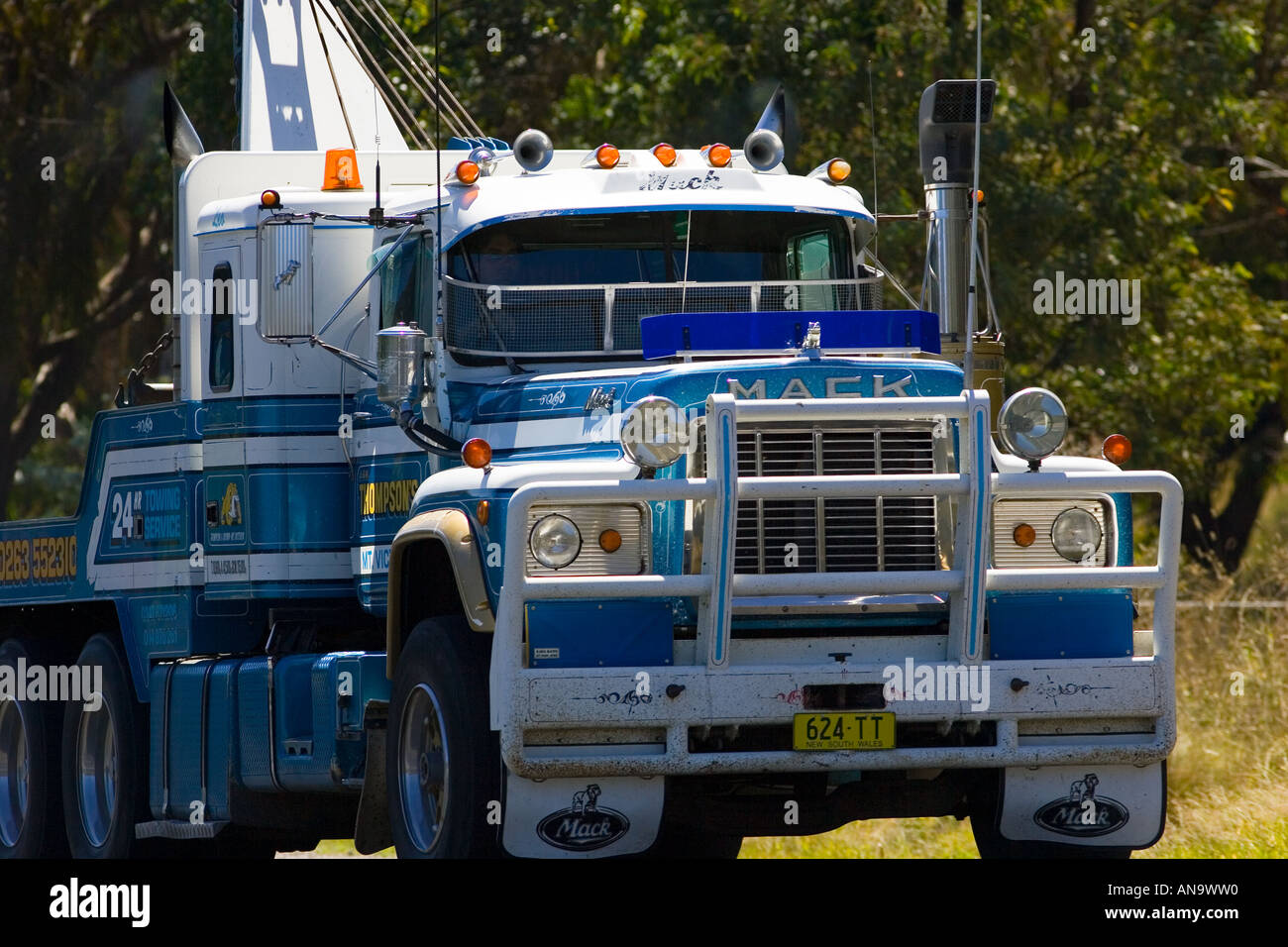 Tow truck on the great western highway from sydney to adelaide new south wales australia