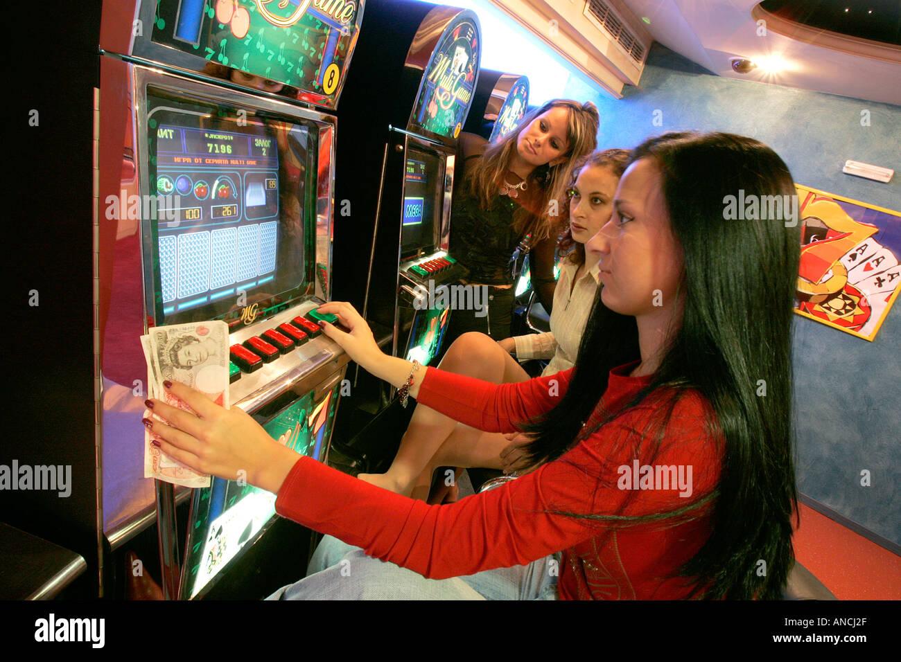 Easy money casino entertainment at foxwoods casino ct