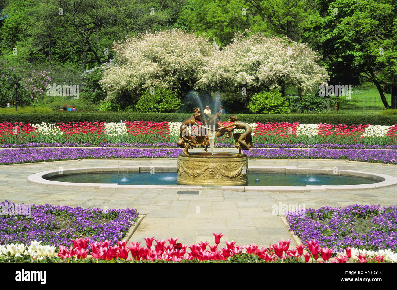 Good New York City Central Park The Conservatory Garden In The Spring NYC USA