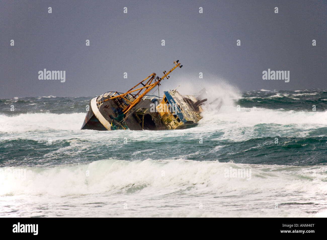 Beached grounded wreck of banff fishing vessel boat bf 380 for Fishing in banff