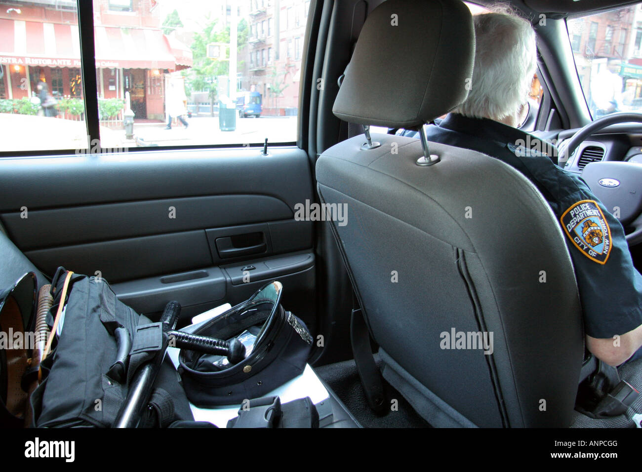 inside a new york city police car stock photo royalty free image 15577599 alamy. Black Bedroom Furniture Sets. Home Design Ideas