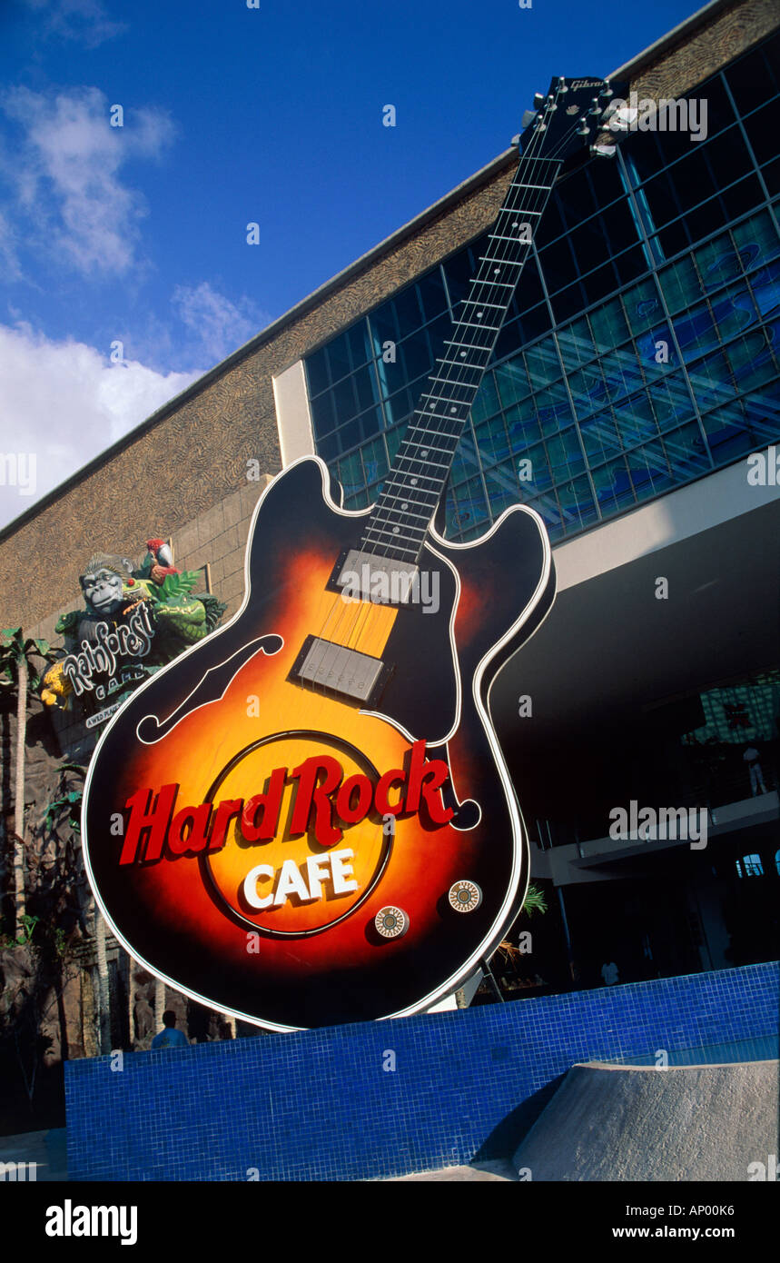 guitar sign of hard rock cafe resort of cancun mexico editorial ...