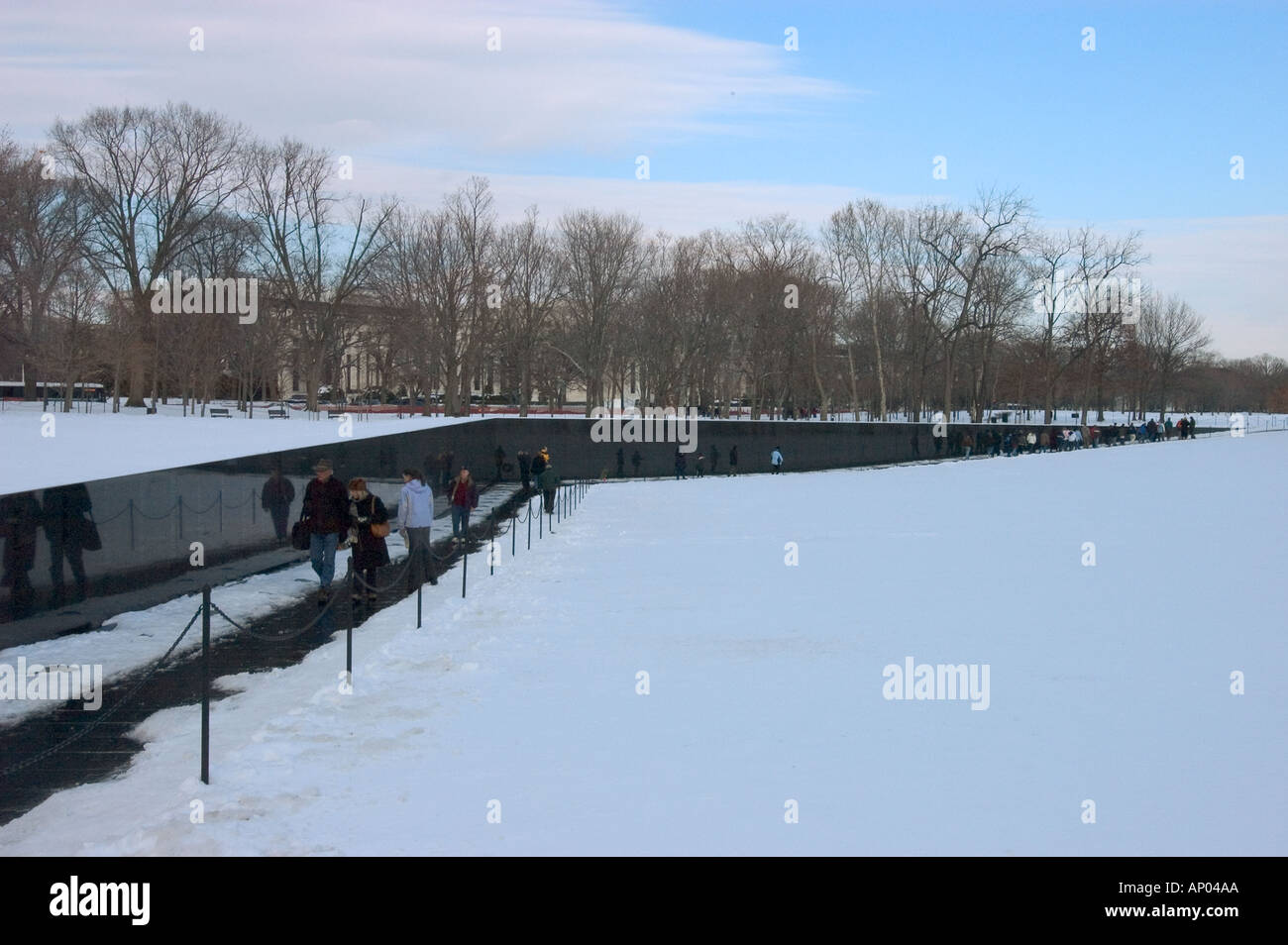 maya ying lin designed the vietnam veterans memorial known as the wall washington dc usa - Who Designed The Vietnam Wall