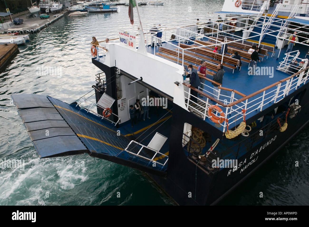 bateau naples ischia