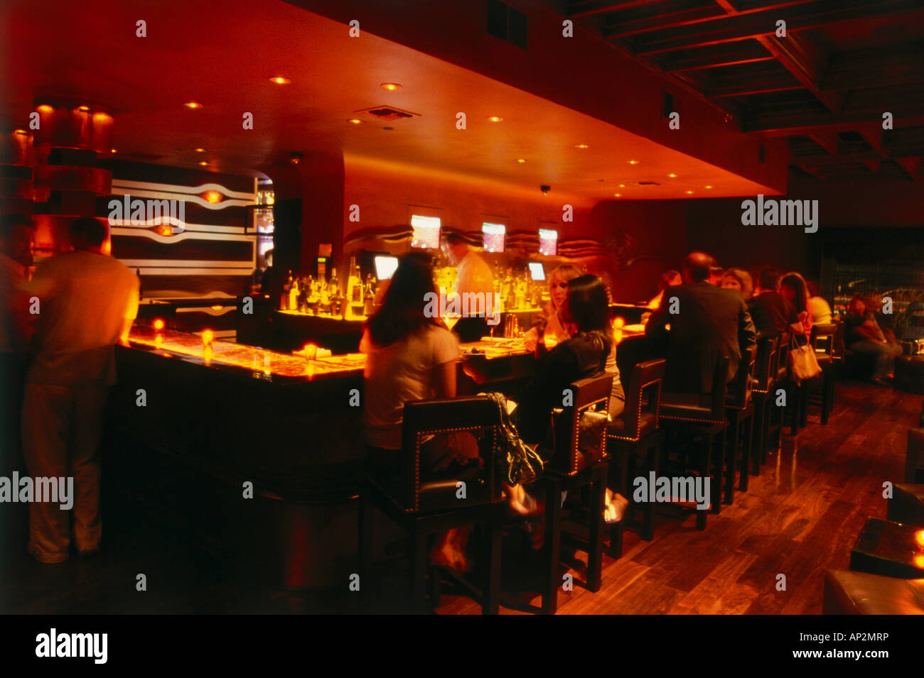 Bar at wilshire restaurant santa monica l a los for Food bar wilshire