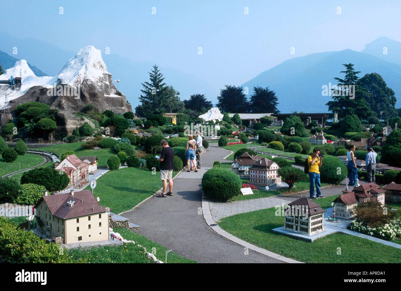 Tourists at pleasure park swissminiatur melide tessin for M park geneve