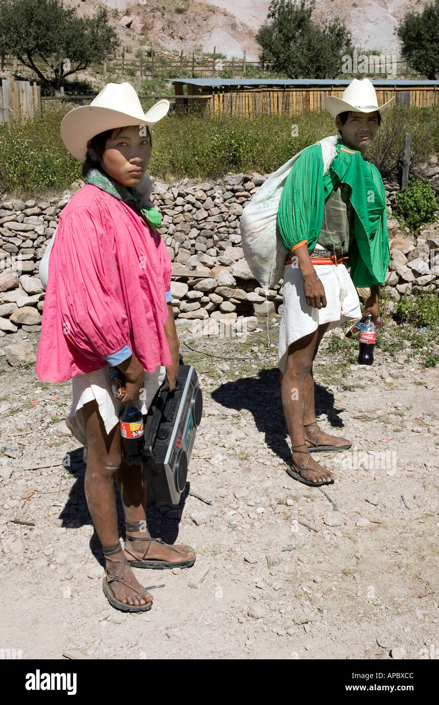tarahumara indians In 2006, scott jurek, one of the world's best ultramarathon runners, travelled to  the remote canyons of northern mexico to race the best athletes.