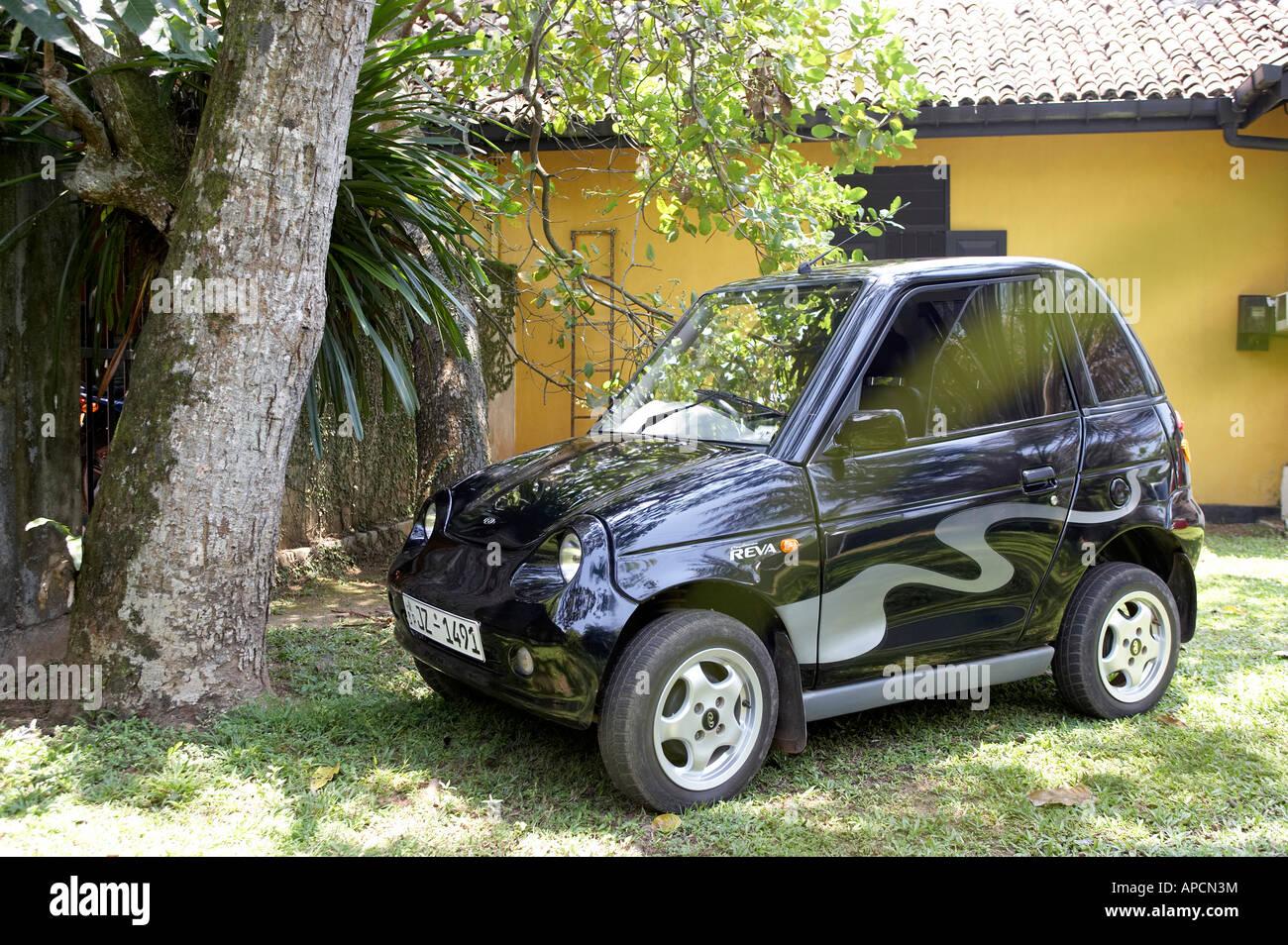 Furniture Workshop Sri Lanka Green Electric Car Stock Photo