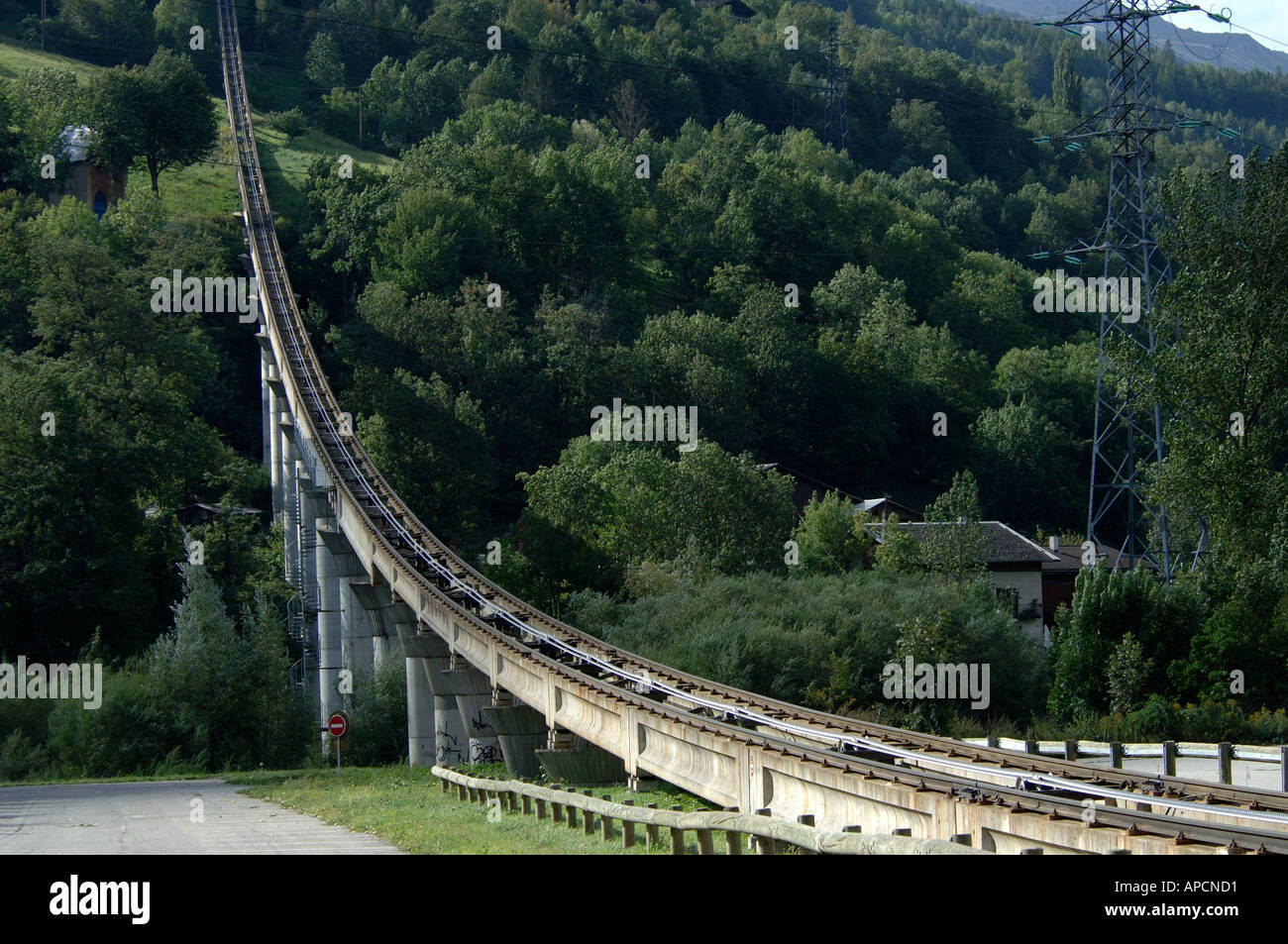 Funicular railway track from bourg st maurice towards les for Bourg st maurice piscine