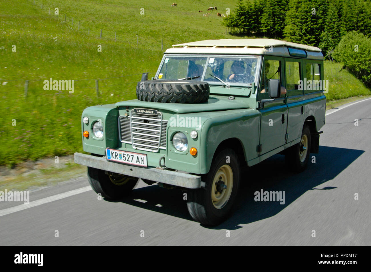 land rover series 3 109 station wagon lwb 4cyl petrol stockfoto lizenzfreies bild 5144598 alamy. Black Bedroom Furniture Sets. Home Design Ideas