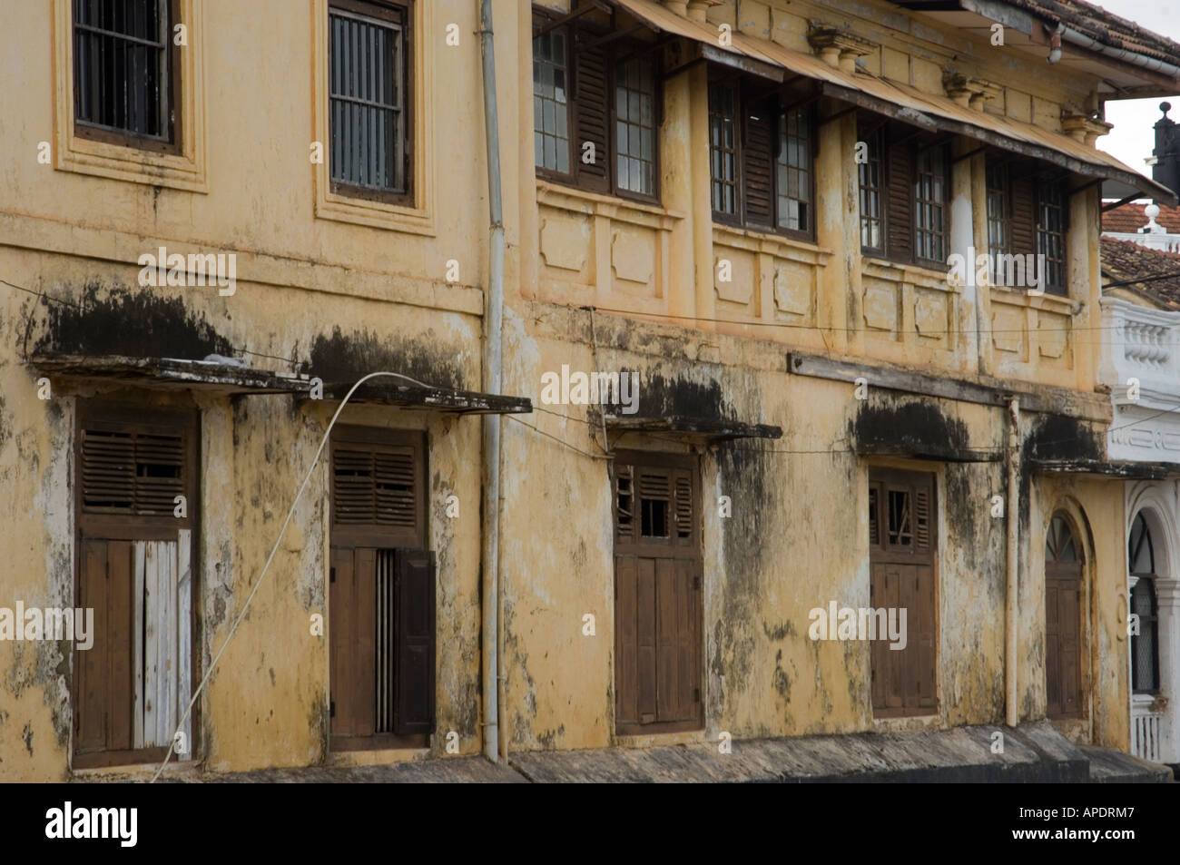 Traditional old house galle sri lanka mark shenley 2006 for Classic house 2006