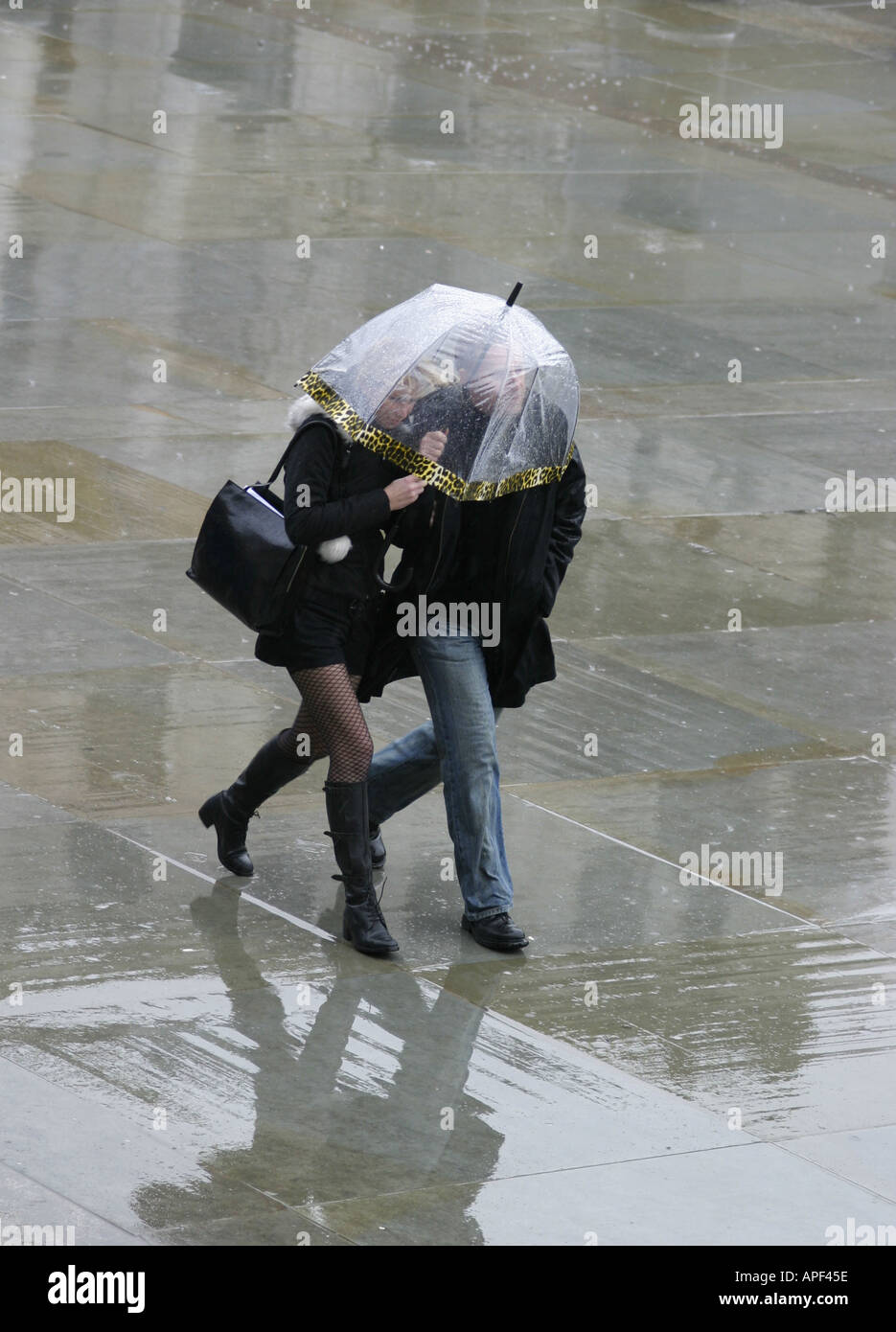 President Trump leaves Melania in the rain without an