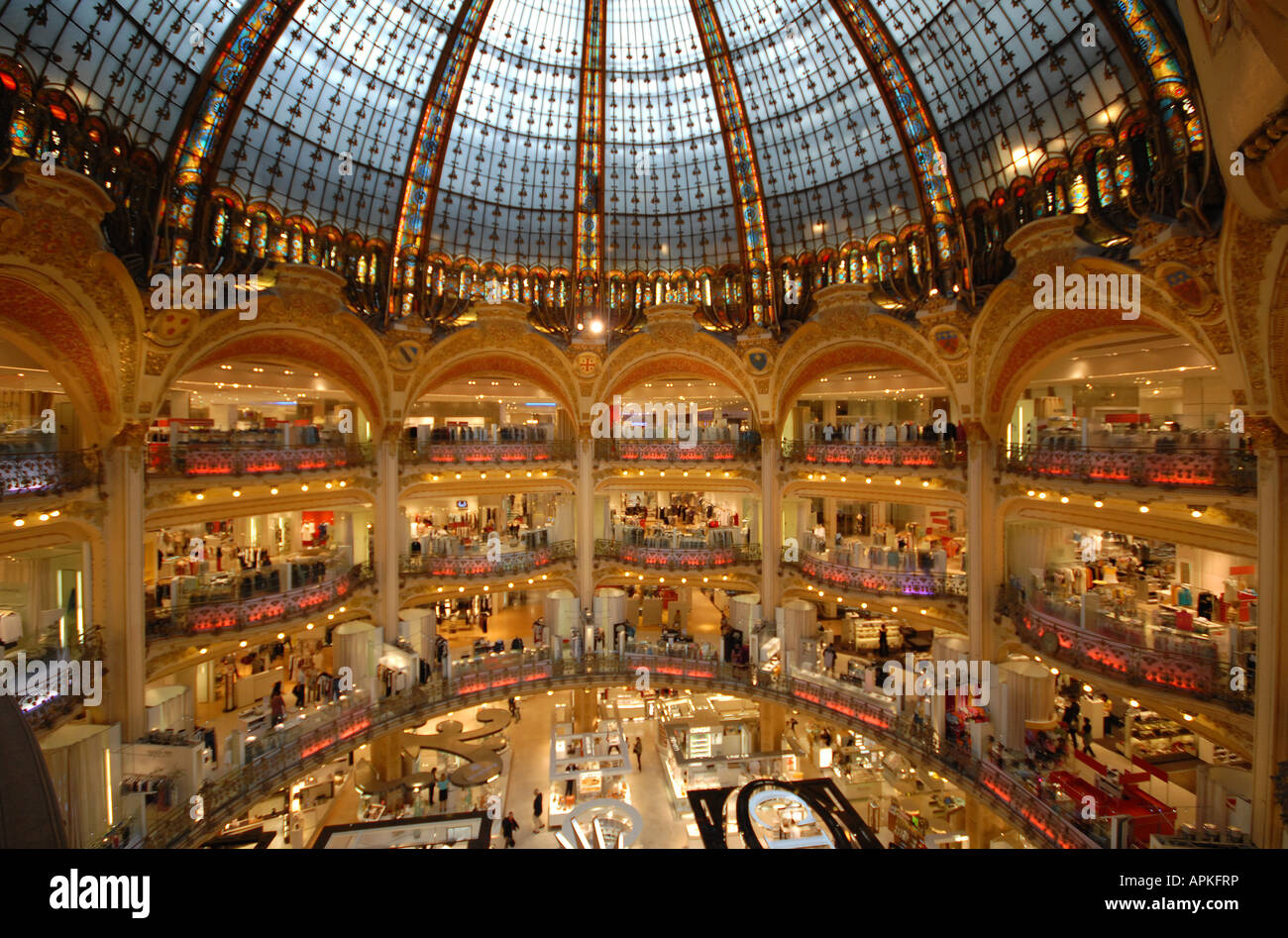 paris france the domed atrium of the galeries lafayette. Black Bedroom Furniture Sets. Home Design Ideas