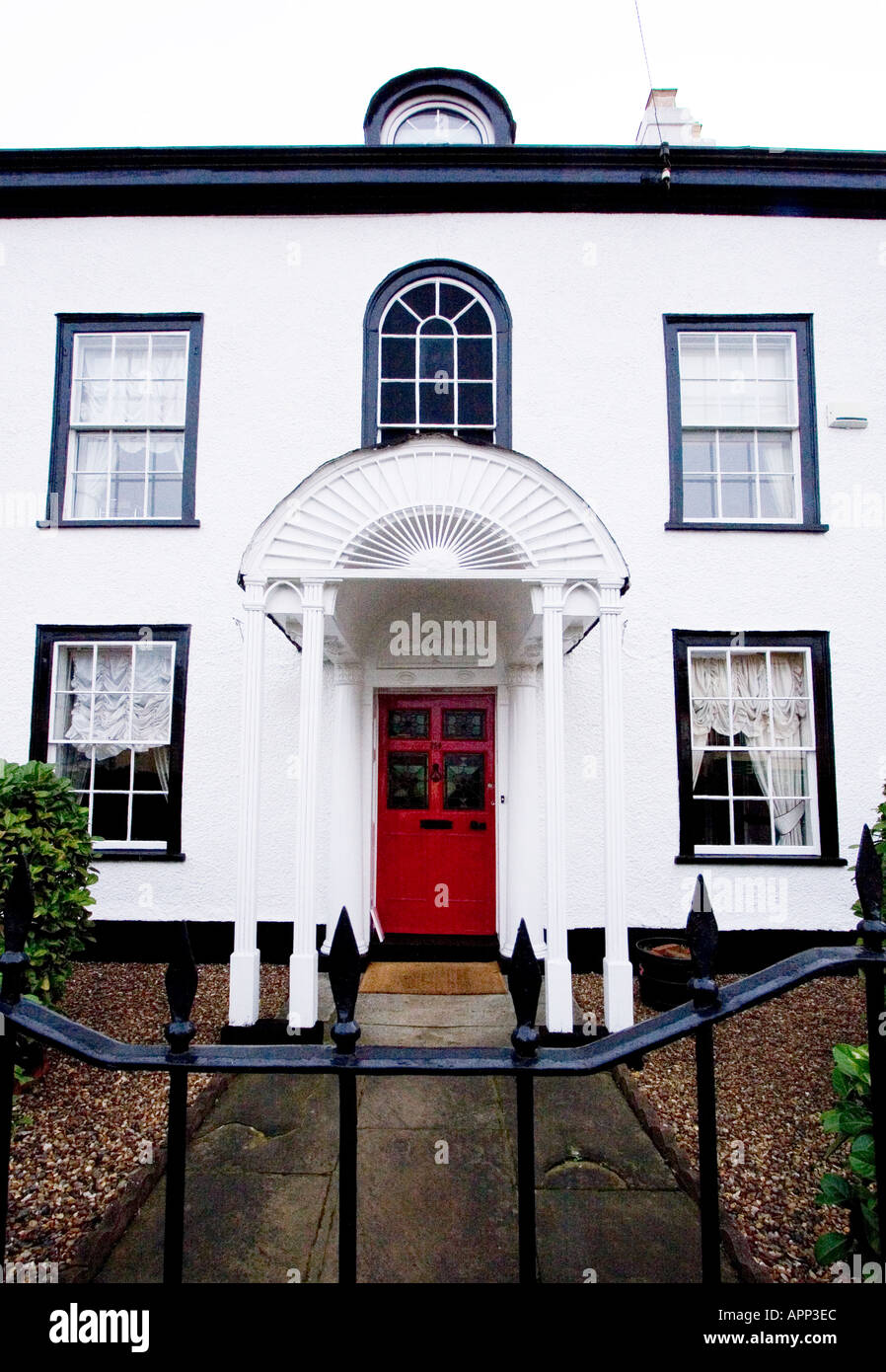 White House Door : Stylish old white house with red door in ongar essex uk