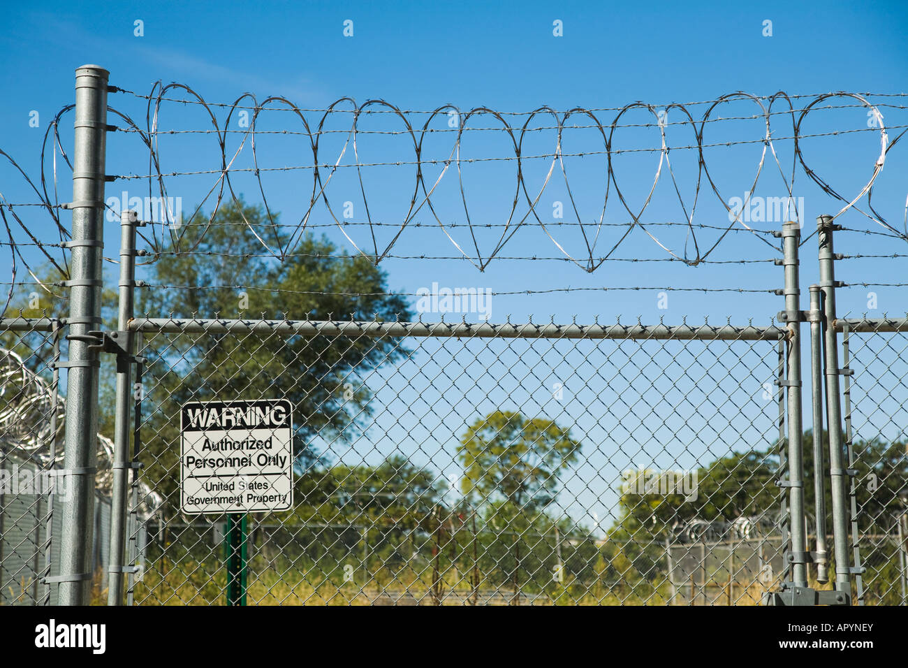 Chain Link Fence With Barbed Wire - Best Fence For ...