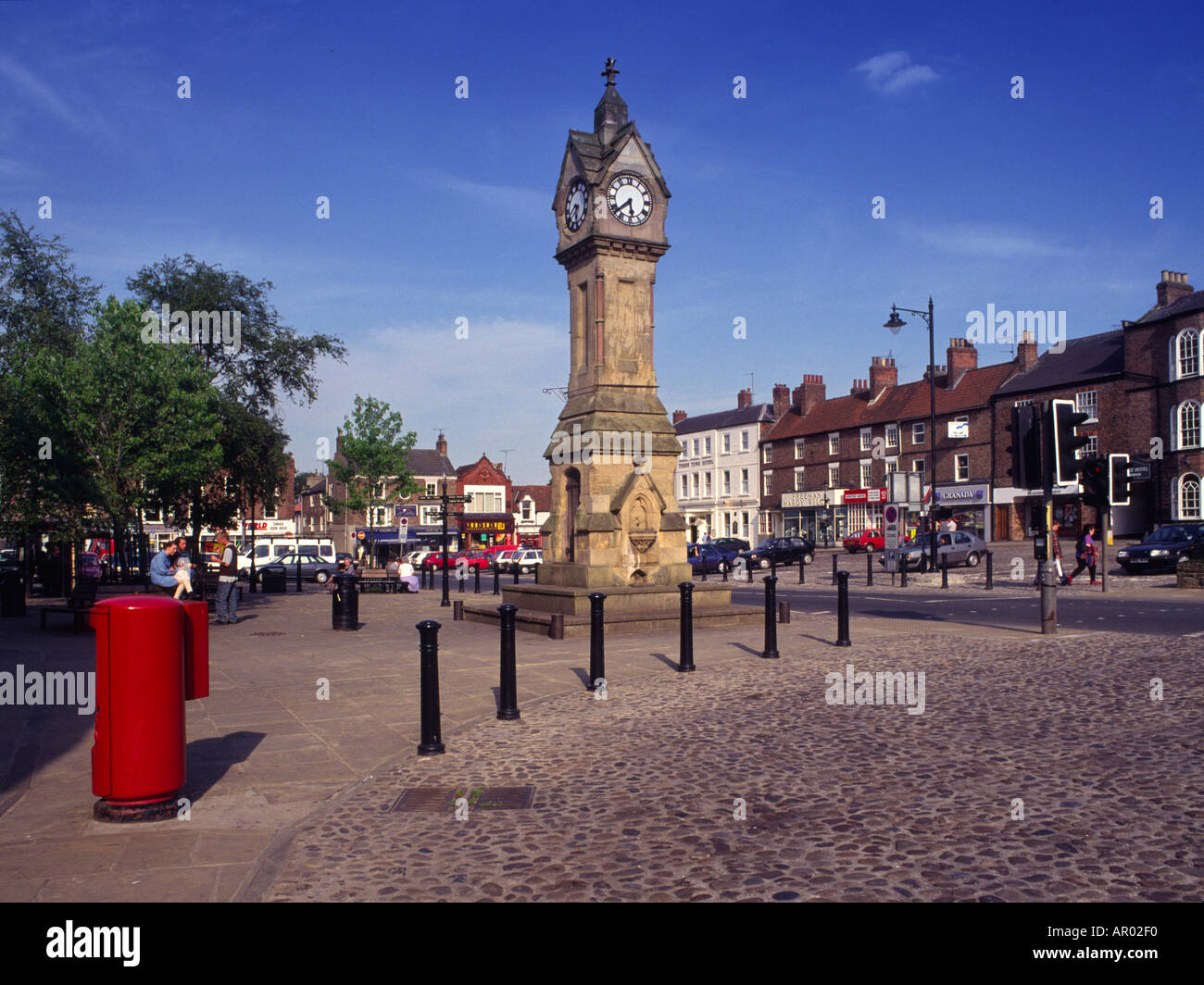 darrowby stock photos darrowby stock images alamy the market place and clock tower thirsk north yorkshire the home town of james herriot vet