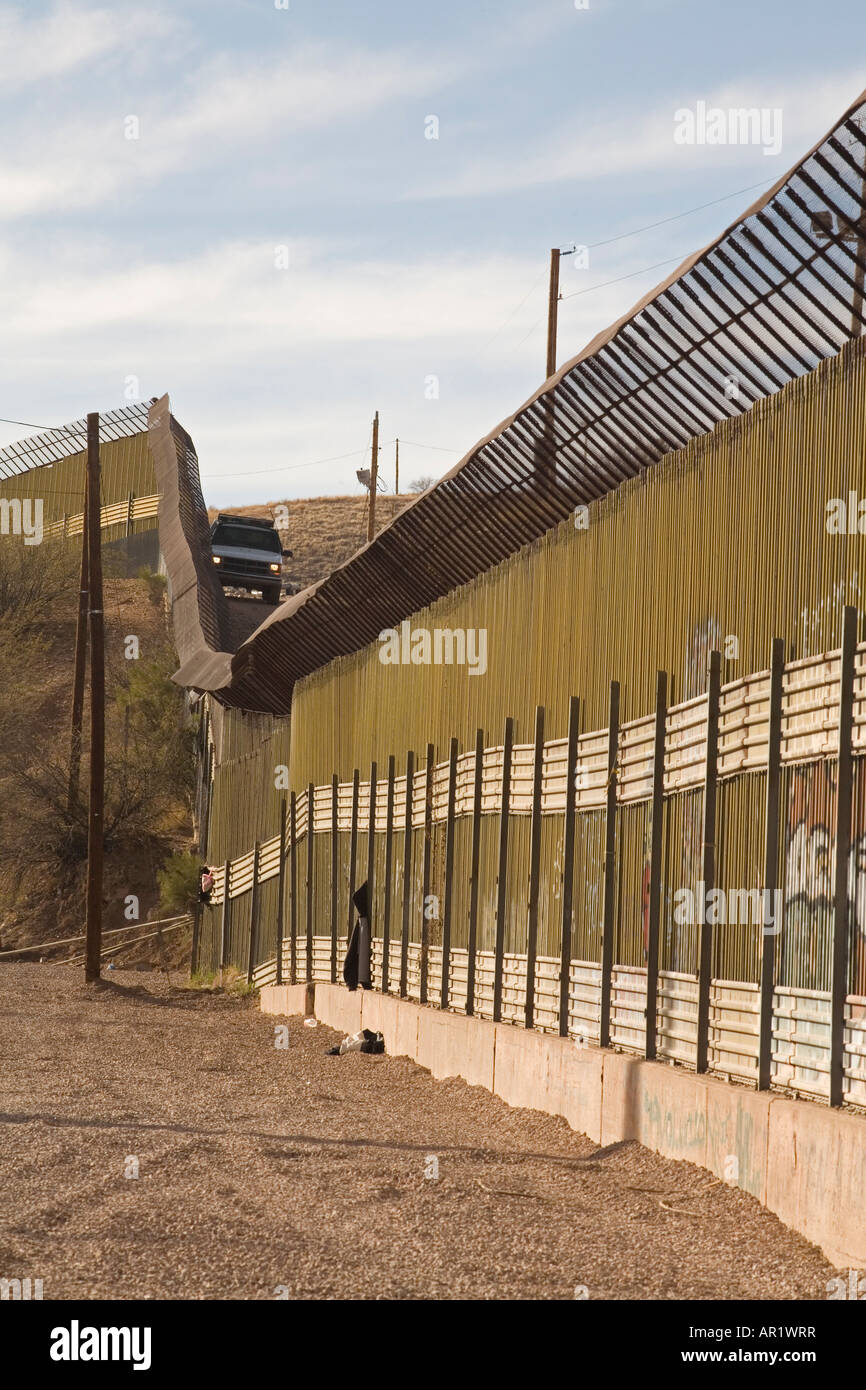 Mexico Border Fence Stock Photos  Mexico Border Fence Stock - Map of us border fence