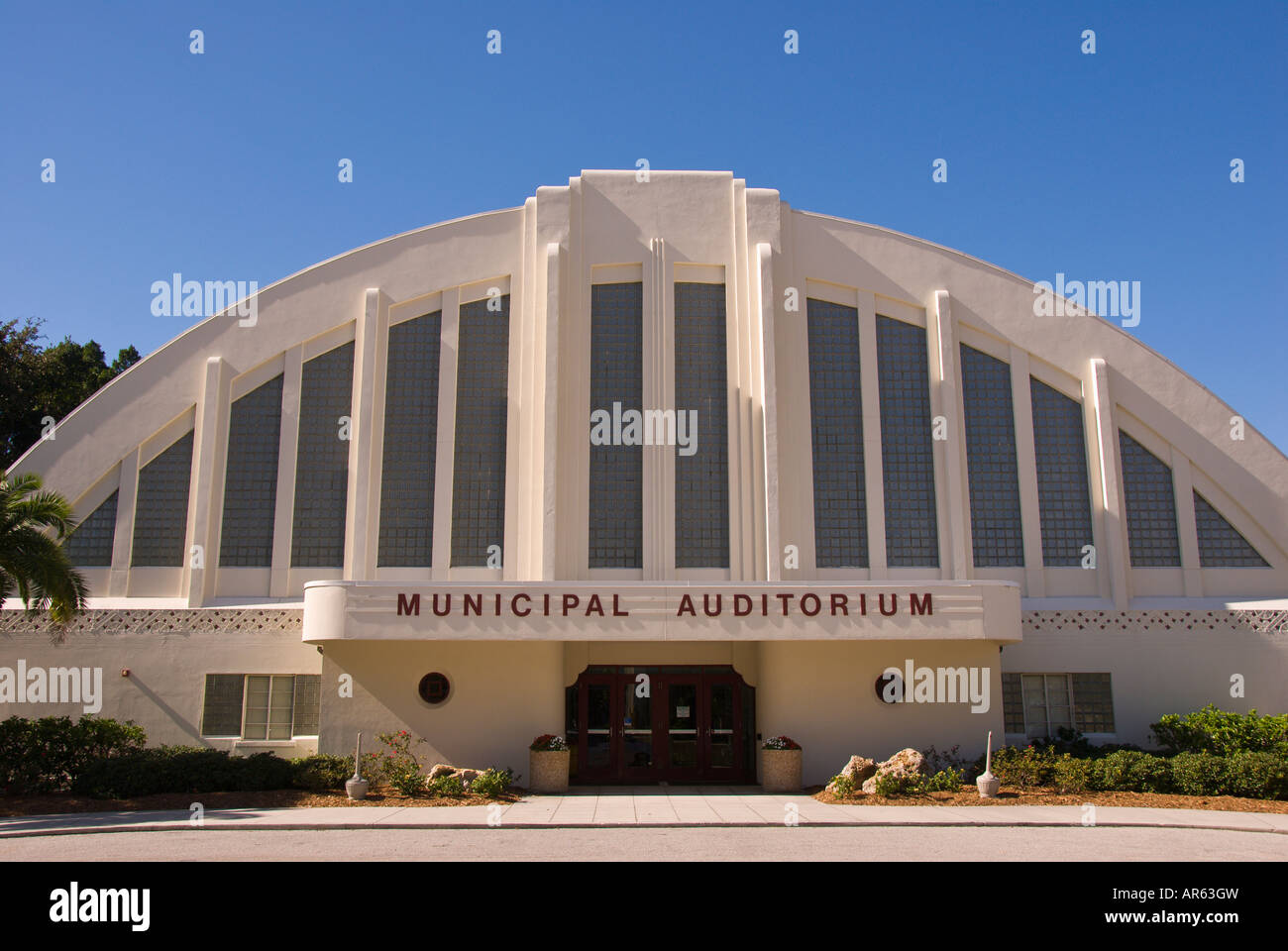 Style Moderne Stock Photos & Style Moderne Stock Images - Alamy