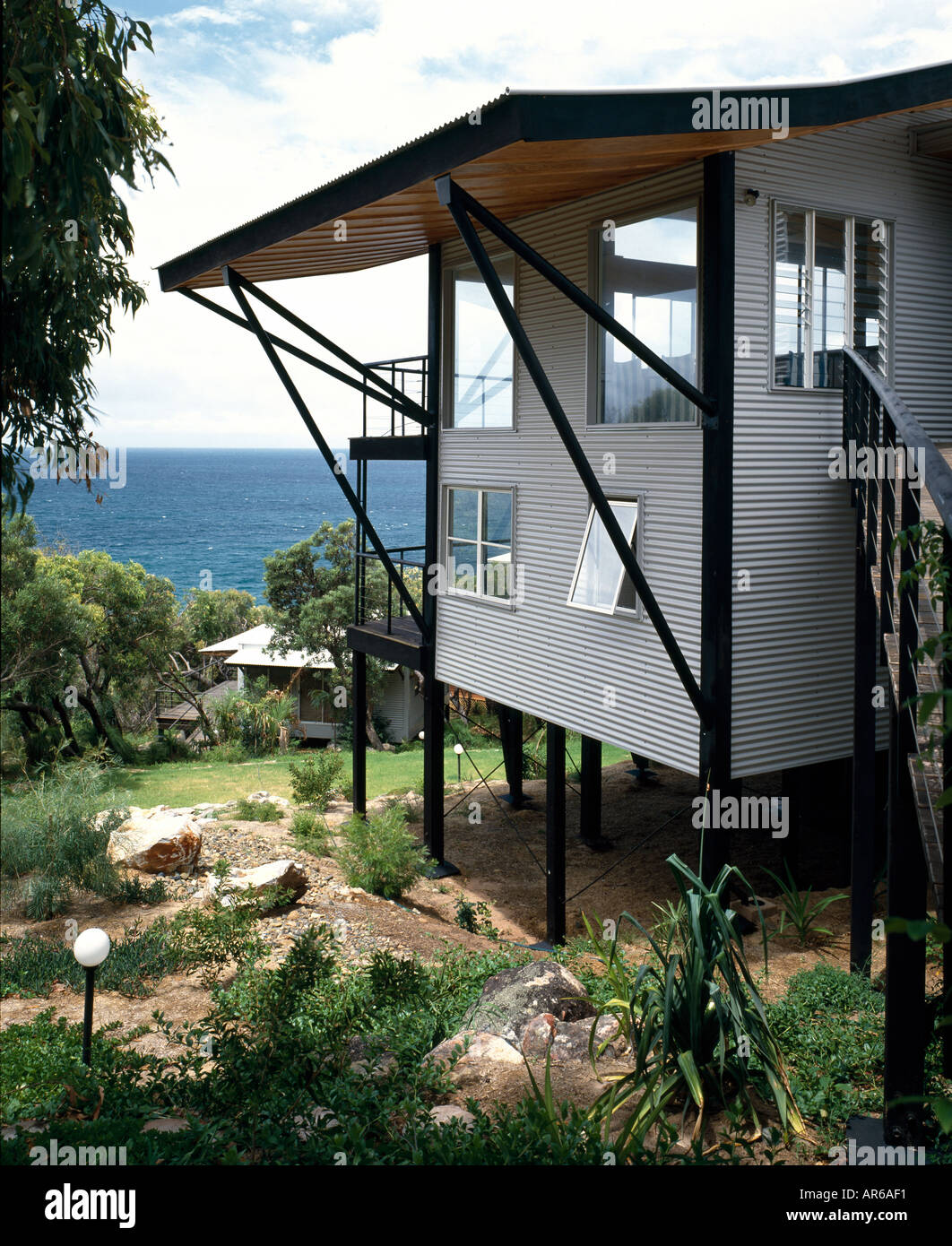 Sea eagle beach house on stilts australia exterior for Beach house on stilts