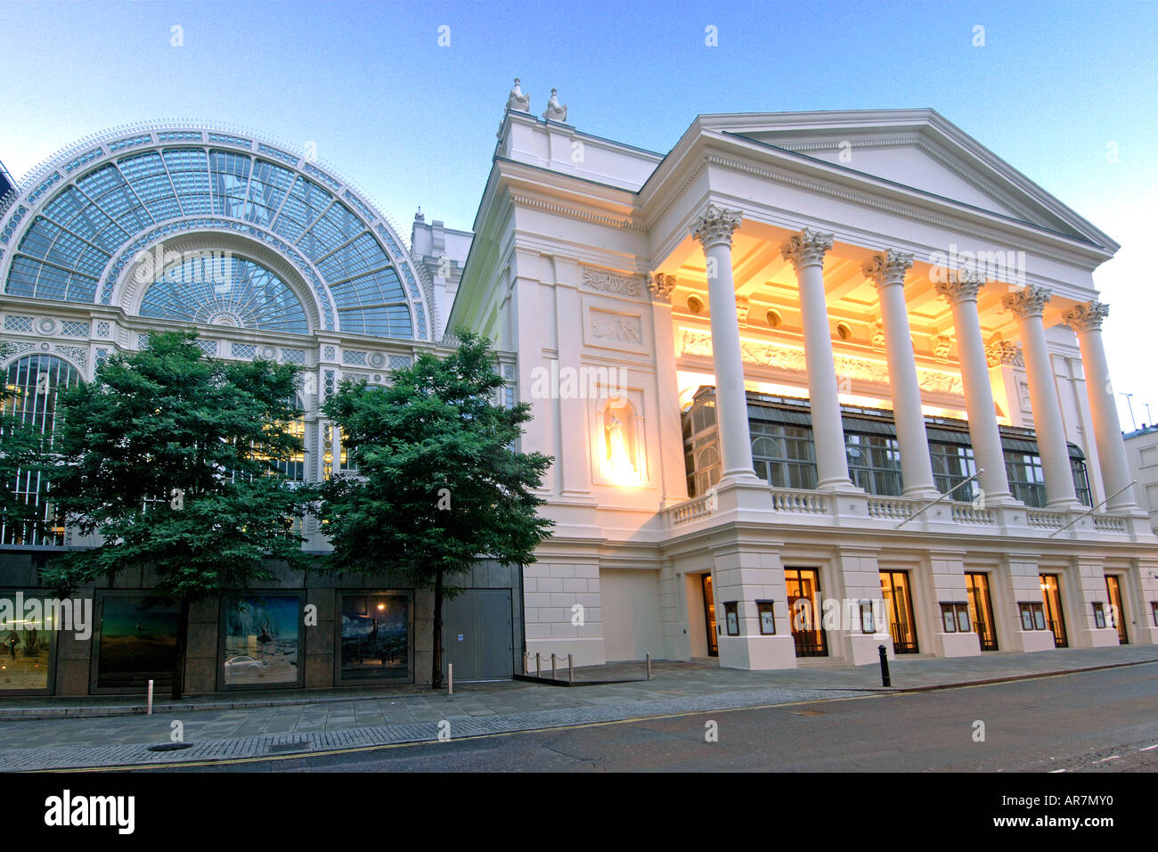London 39 s royal opera house in covent garden at dawn stock photo royalty free image 9123503 alamy for Royal opera house covent garden