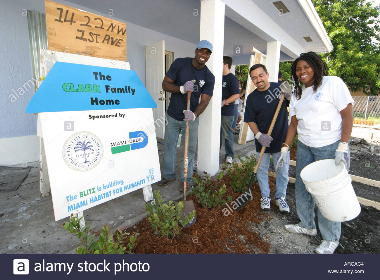 Miami florida overtown habitat for humanity building new for Building a house in florida